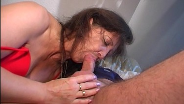 Older Woman Gets A Penis In Her Mouth