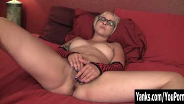 Tattooed Amateur Vi Stroking Her Slit