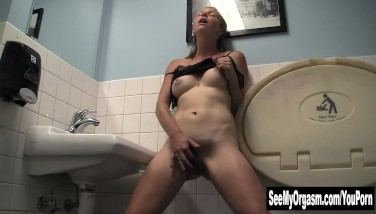 video of how to make a girl squirt