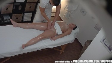 Big Bootie Black-haired Getting Hottest Rubdown Ever