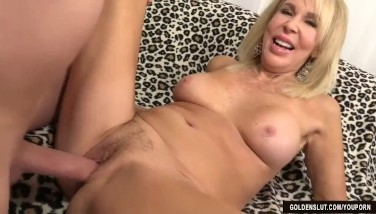 Mature Blond Erica Lauren Flashes Off Her Snatch And Fucks