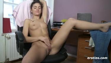 Sexy German Teenage Getting Off Alone  Molten Tummy Ring